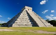 """""""El Castillo,"""" or Temple of Kukulcan in Chichen Itza, Yucatan, Mexico"""